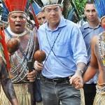 Governador participa de dança com os índios em Itabaiana (Zé Marques/Secom-PB)